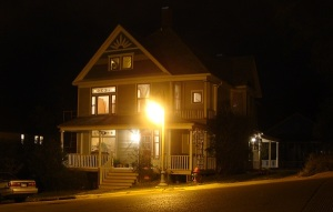more-house-with-lights-street-lamp
